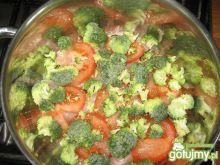 Pierś w brokulach w sosie smietanowym