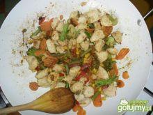 Pierś z kurczaka duszona z warzywami