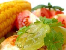 Pierś z kurczaka z kukurydzą i pomidorem
