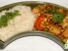 Pierś z kurczaka z warzywami i ryżem
