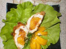 Piersi kurczaka nadziewane brzoskwiniami
