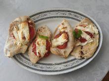 Piersi z indyka pieczone z pomidorem i fetą