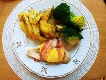 Piersi z kurczaka z ananasem i boczkiem