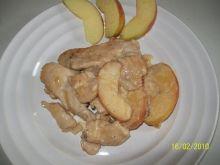 Piersi z kurczaka z jablkami i miodem