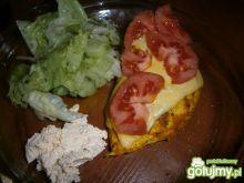 Piersi z piekarnika z serem i pomidorem