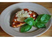 Pierśnik w pesto z pomidorem i mozarellą