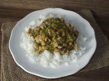 Pikantna potrawka cukiniowa z ryżem