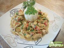 Pikantna potrawka z kurczaka z warzywami