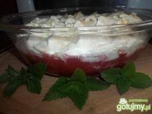 Pikantna zupa truskawkowa z bezą