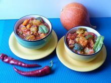 Pikantne leczo z papryczką chilli i dynią