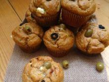 Pikantne muffiny z oliwkami i fetą