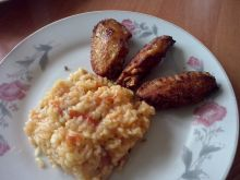 Pikantne skrzydełka z pomidorowym risotto