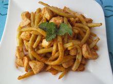 Pikantny gulasz z kurczaka i fasolki szparagowej