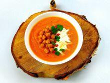 Pikantny krem z marchewki z ciecierzycą