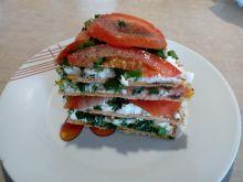 Piramidka z tortilli i białego sera