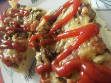 Pizza domowa z pieczarkami i serem