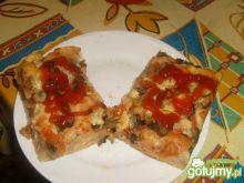 Pizza domowa z szynką