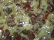 Pizza mięsno ziołowa