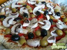 pizza na cieście z otrębami