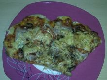 Pizza na kruchym cieście