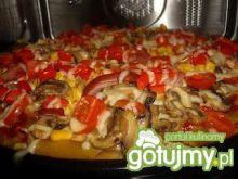Pizza na makaronowym spodzie