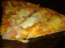 Pizza na orkiszowym spodzie