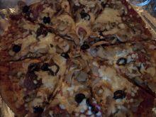 Pizza na pełnoziarnistym spodzie wg Zub3ra