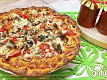 Pizza na pszenno - żytnim cieście