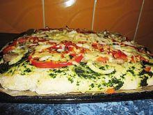 Pizza na puszystym cieście.