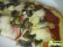 Pizza na zakwasie podwójnie czosnkowa