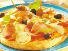 Pizza neapolitańska z szynką drobiową