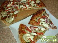 Pizza pełnoziarnista  z warzywami