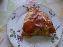 Pizza salami domowa