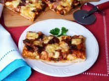 Pizza z ajwarem i suszonymi pomidorami