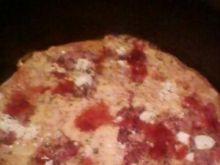 Pizza z boczkiem i fetą