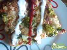 Pizza z brokułami 3