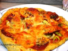 Pizza z dynią i salami