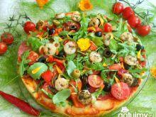 Pizza z krewetkami, rukolą i  nagietkiem