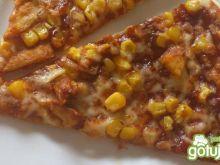 Pizza z kukurydzą i kurczakiem