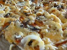 Pizza z kurczakiem i pieczarkami
