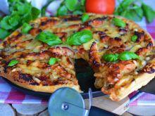 Pizza z kurczakiem teriyaki, imbirem i pieczarkami
