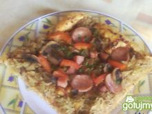 Pizza z kwaśnym dodatkiem