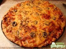 Pizza z łososiem i pieczarkami