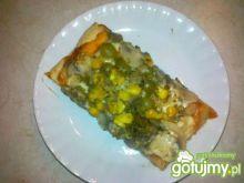 Pizza z mozzarella i oliwkami