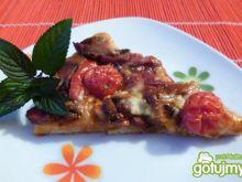 Pizza z pieczarkami i mozzarellą