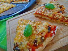 Pizza z pieczarkami na cydrowym cieście