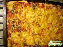 Pizza z rybą i mozarellą