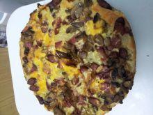 Pizza z siemieniem, śląską, pieczarkami i serkiem