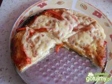 Pizza z sosem włoskim + czerwona papryka