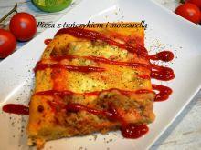 Pizza z tuńczykiem i mozzarellą